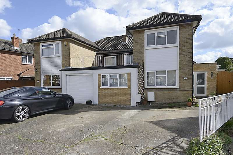 5 Bedrooms Semi Detached House for sale in Beresford gardens, Hounslow, Middlesex, TW4