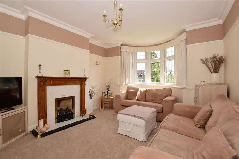 3 Bedrooms Semi Detached House for sale in Nutfield Road, Coulsdon, Surrey