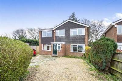 4 Bedrooms House for rent in GRAYCOT CLOSE - BOURNEMOUTH