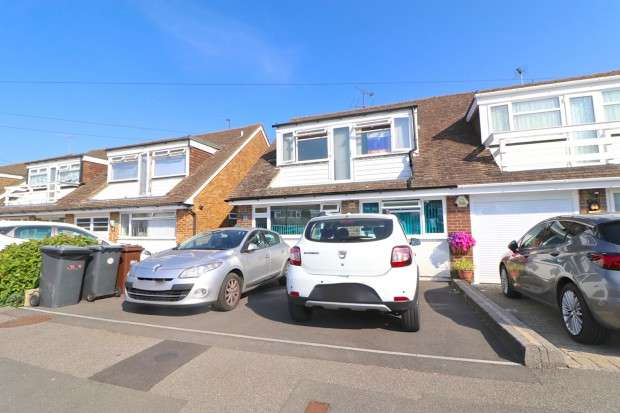 4 Bedrooms Semi Detached House for sale in Manor Way, Polegate, BN26
