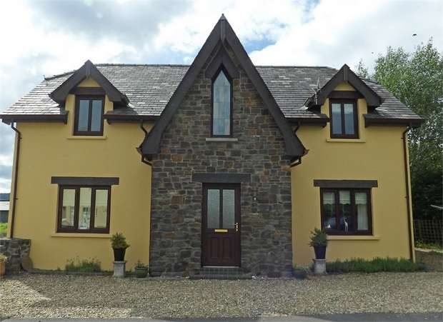 4 Bedrooms Detached House for sale in Talsarn, Talsarn, Lampeter, Ceredigion