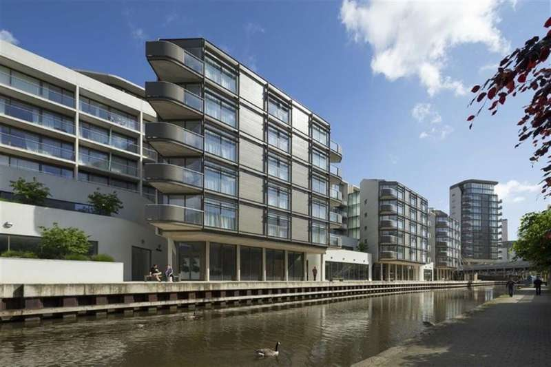 3 Bedrooms Flat for rent in Canal Street, Nottingham, NG1