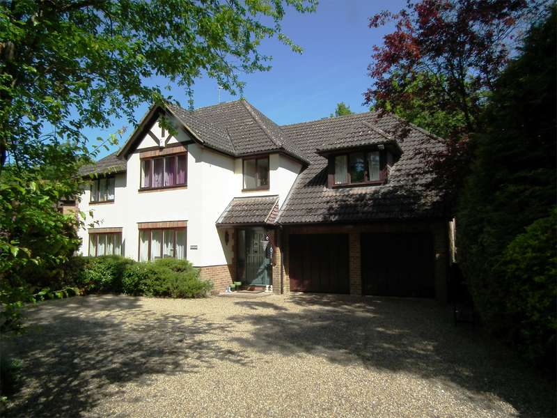 5 Bedrooms Detached House for rent in Pyrford Woods, Pyrford