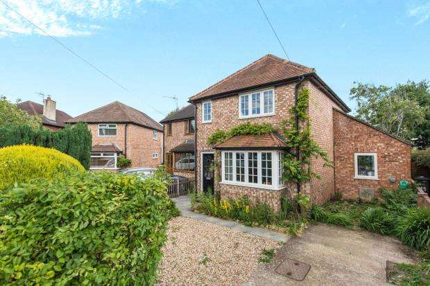 2 Bedrooms Detached House for sale in Godalming, Surrey