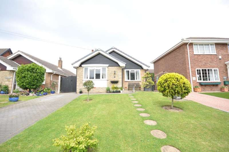 3 Bedrooms Detached Bungalow for sale in School Lane, Newton, Lancashire, PR4 3RT