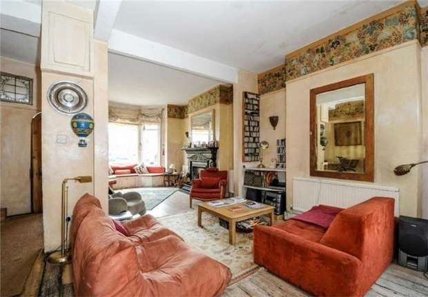 4 Bedrooms Terraced House for sale in Hartland Road, Queens Park, London