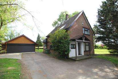 Detached House for sale in Horseman Side, Brentwood, Essex