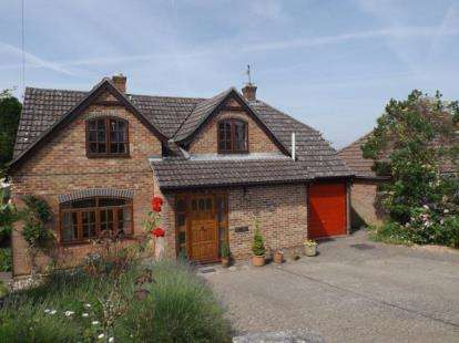 4 Bedrooms House for sale in Laverstock, Salisbury, Wiltshire