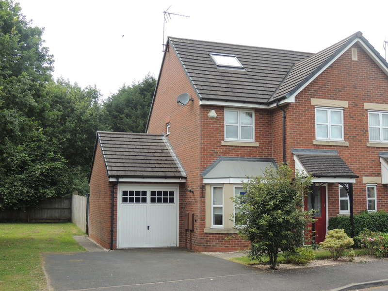 3 Bedrooms Semi Detached House for sale in Rashwood Close, Hockley Heath, Solihull