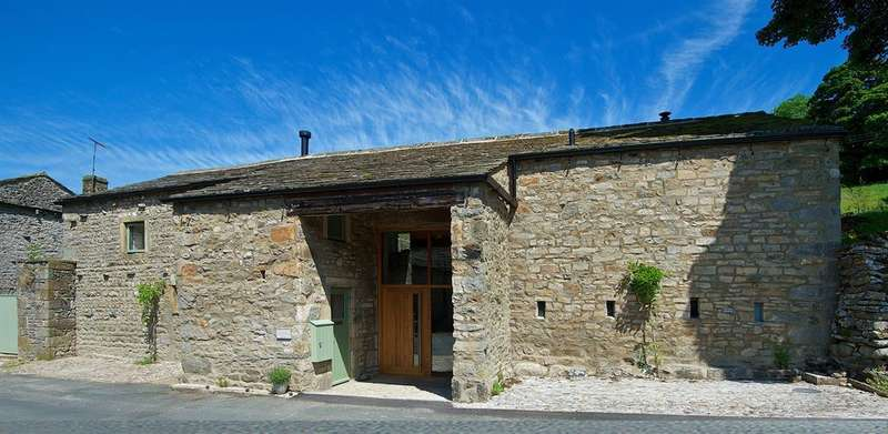 3 Bedrooms Barn Conversion Character Property for sale in Leylands Barn, Kettlewell