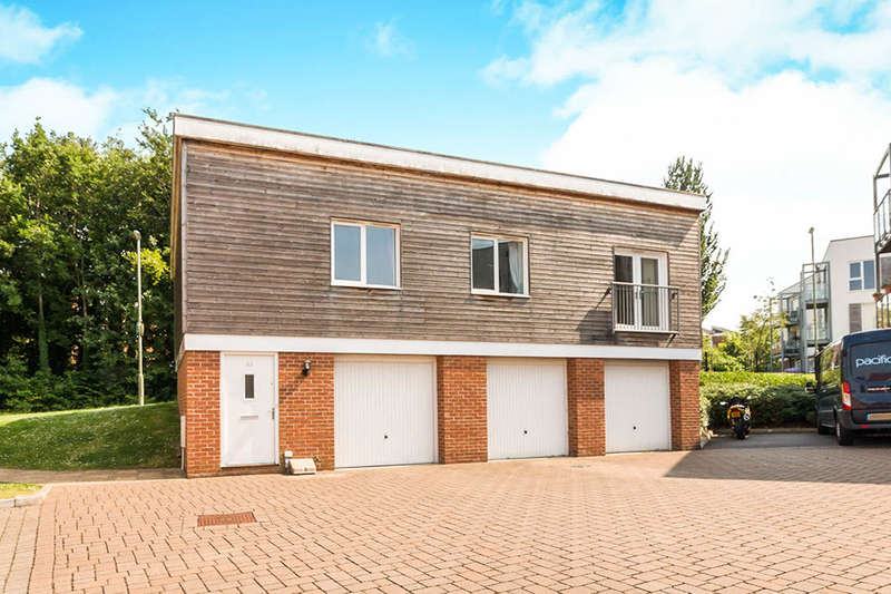 2 Bedrooms Flat for sale in Mallory Road, Basingstoke, RG24