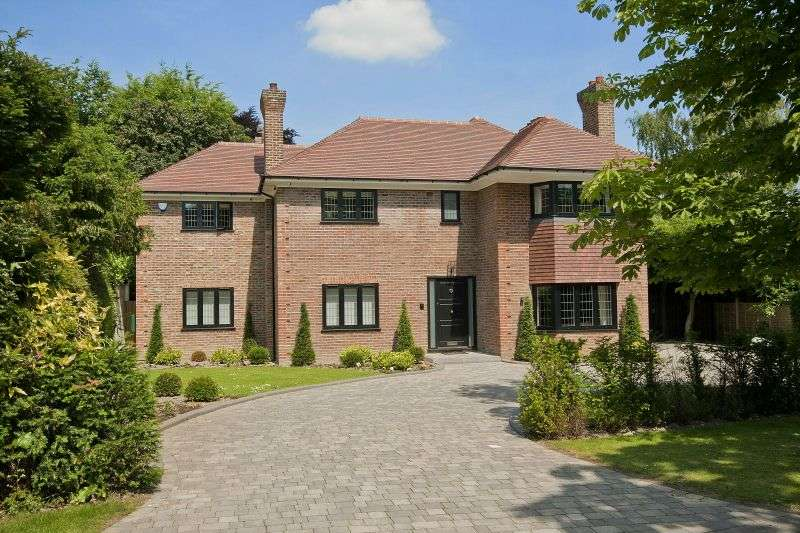 5 Bedrooms Detached House for sale in Bedford Road, Moor Park, Northwood, Middlesex