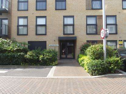 3 Bedrooms Flat for sale in Bletchley Court, Hitchin Lane, Stanmore