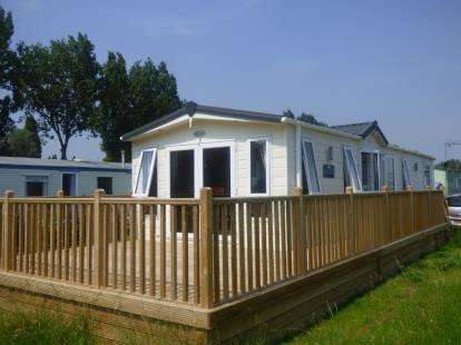 2 Bedrooms Mobile Home for sale in Mallard Fields, Billing Aquadrome, Little Billing, Northamptonshire