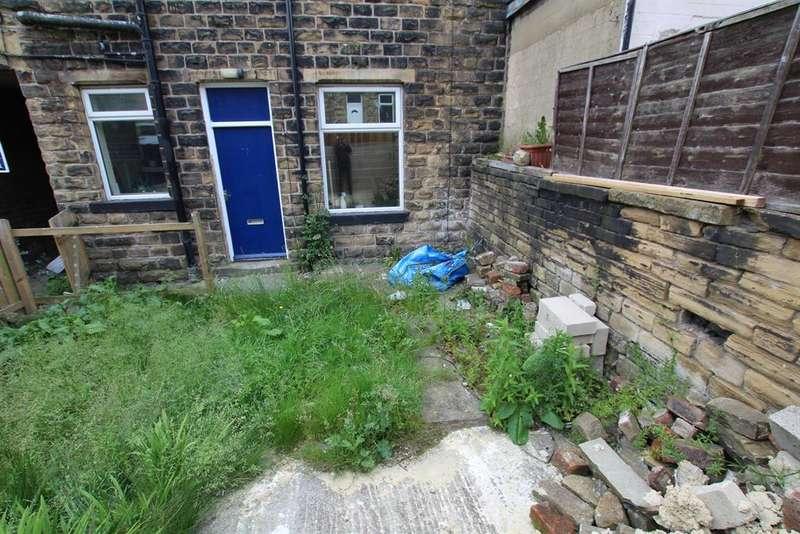 1 Bedroom Terraced House for sale in Kershaw Street, Bradford, BD3 8NR