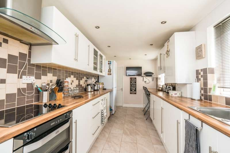 1 Bedroom Flat for sale in Hitchin Road, Luton, Bedfordshire, LU2