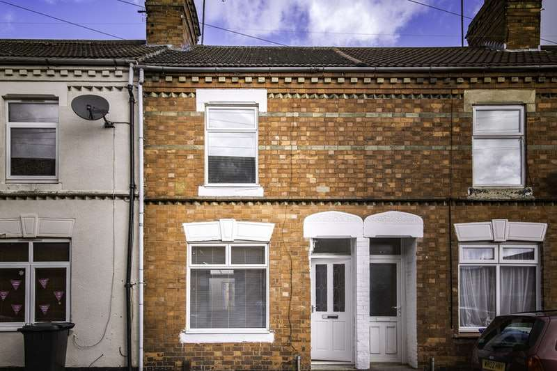2 Bedrooms Terraced House for sale in Havelock street, Kettering, Northamptonshire, NN16