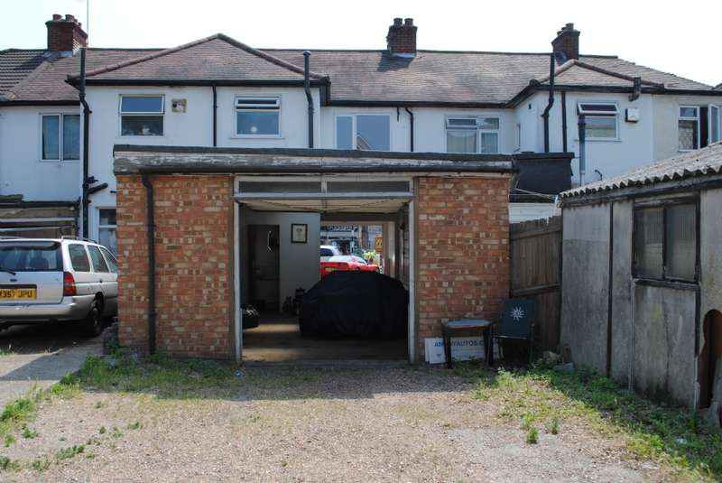 2 Bedrooms Commercial Property for sale in Billet Lane, Hornchurch
