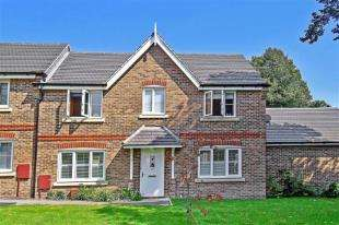 3 Bedrooms Semi Detached House for sale in Windmill Drive, Tangmere, Chichester, West Sussex