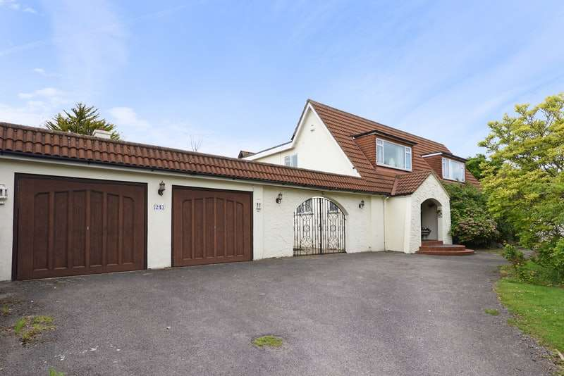 6 Bedrooms Detached House for sale in St. Helens Road, Hastings, East Sussex, TN34