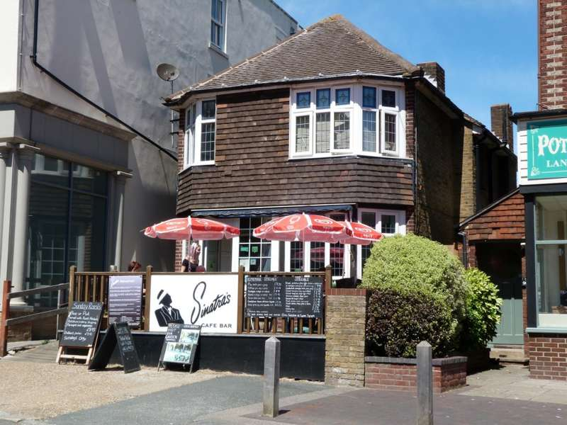 2 Bedrooms Property for sale in High Street, Broadstairs