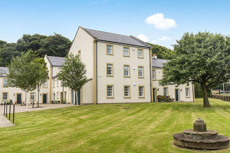 2 Bedrooms Flat for sale in Acton Court, Whitehaven, CA28