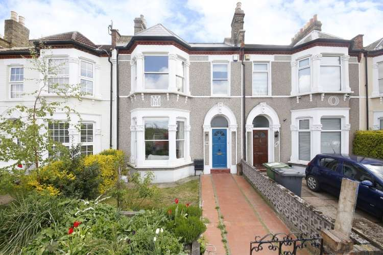 4 Bedrooms Terraced House for sale in Abbotshall Road Catford SE6