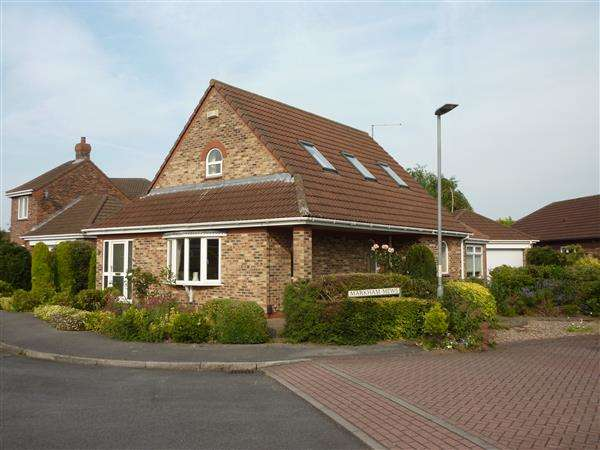 3 Bedrooms Detached House for sale in CAMARGUE AVENUE, WALTHAM, GRIMSBY
