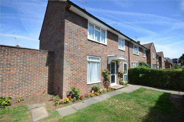 3 Bedrooms Terraced House for sale in Albert Road, Bracknell, Berkshire