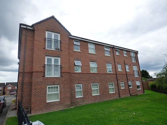 2 Bedrooms Flat for sale in Poppyfields, Saxon Park, Warrington