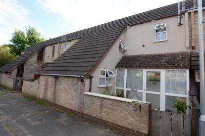 2 Bedrooms Terraced House for sale in Chalvedon, Basildon, Essex