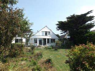 4 Bedrooms Detached House for sale in Central Drive, Elmer, Bognor Regis