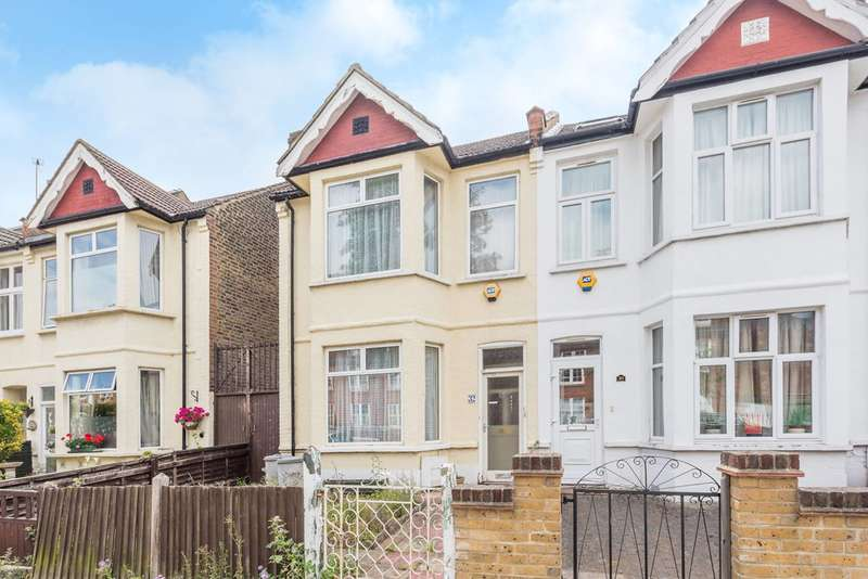 3 Bedrooms Semi Detached House for sale in Aycliffe Road, Shepherd's Bush, W12
