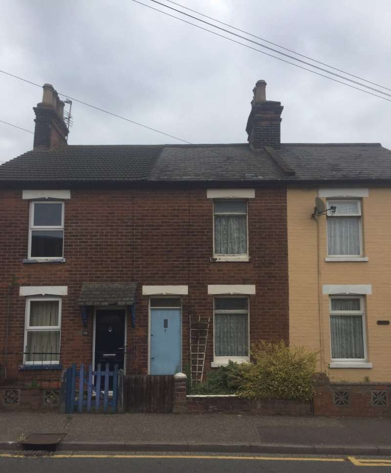 3 Bedrooms Terraced House for sale in Bergholt Road, Colchester, Essex, CO4 5AF