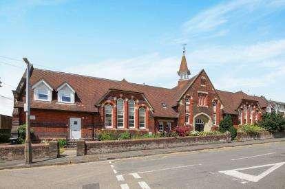 2 Bedrooms End Of Terrace House for sale in Salisbury, Wiltshire, United Kingdom