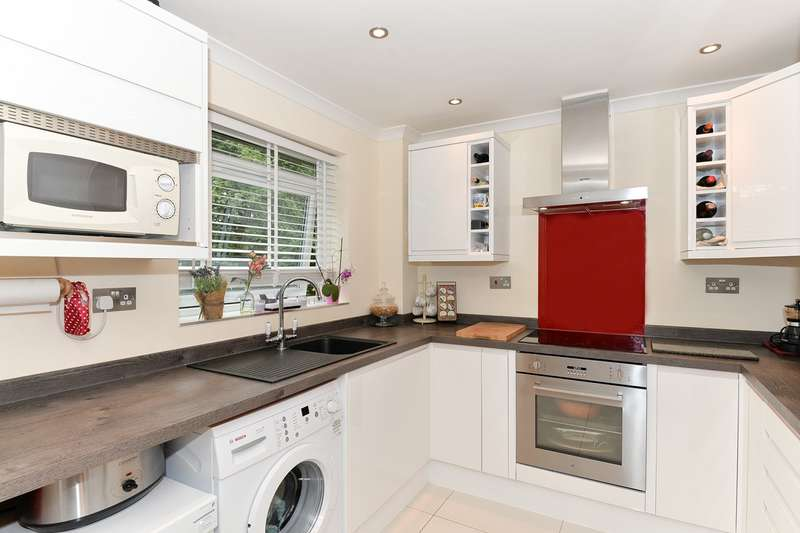2 Bedrooms Apartment Flat for sale in Burns Road, Royston, Royston, SG8