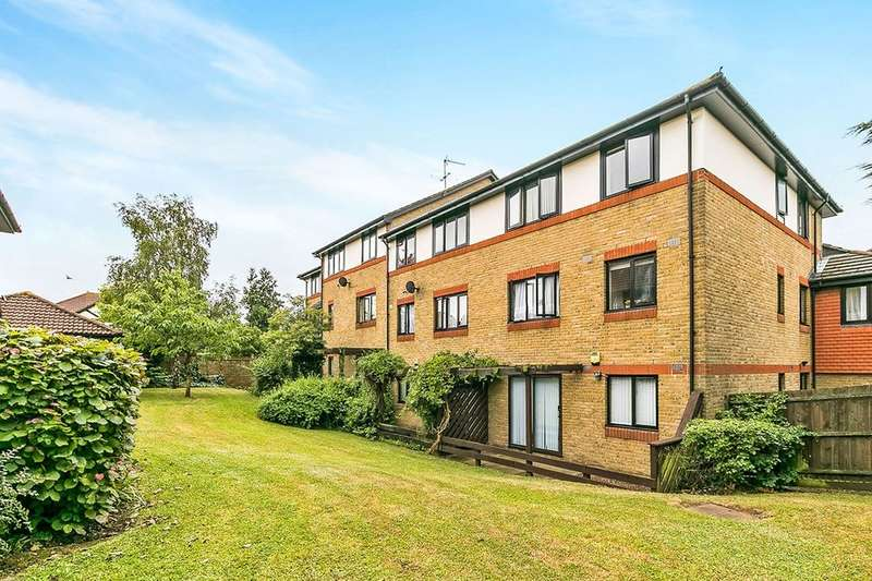 1 Bedroom Flat for sale in Louvain Road, Greenhithe, DA9
