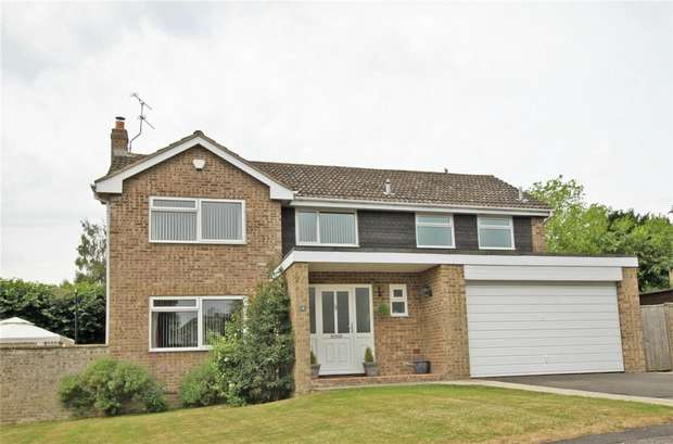 4 Bedrooms Detached House for sale in 4 Kenton Drive, Trowbridge, Wiltshire