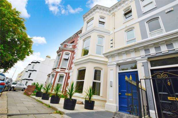2 Bedrooms Maisonette Flat for sale in Exmouth Road, Plymouth, Devon