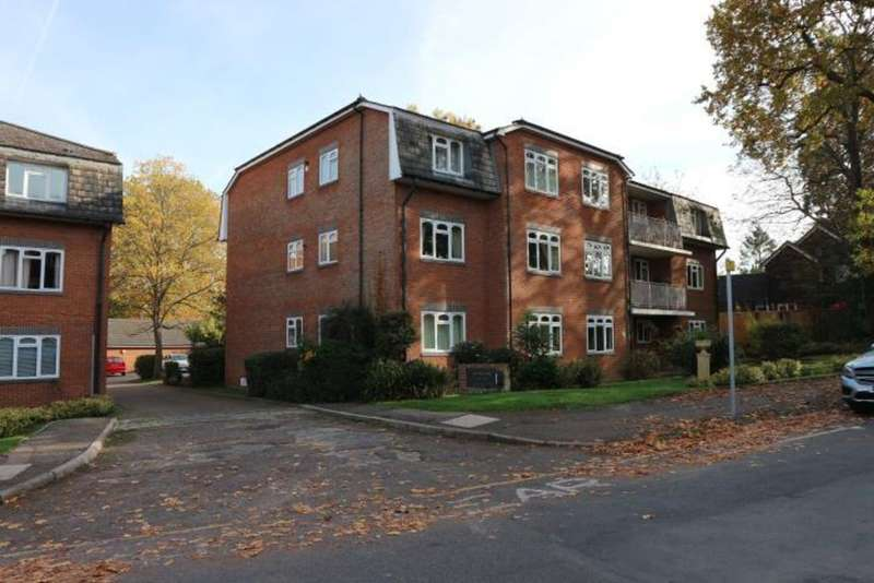 2 Bedrooms Apartment Flat for sale in Albany Crescent, Claygate
