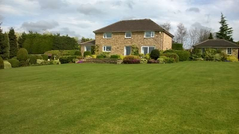 4 Bedrooms Detached House for sale in Sheffield Road, Birdwell, Barnsley, South Yorkshire, S70
