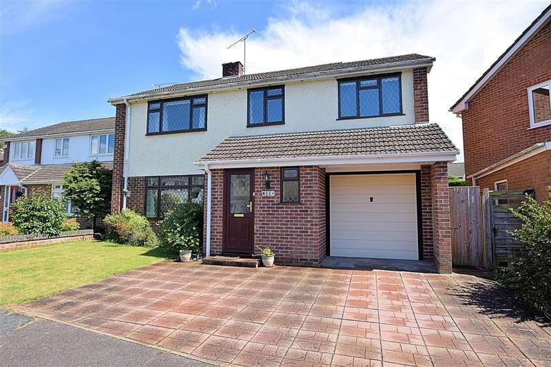 4 Bedrooms Detached House for sale in Love's Close, Burghfield Common, Reading, RG7