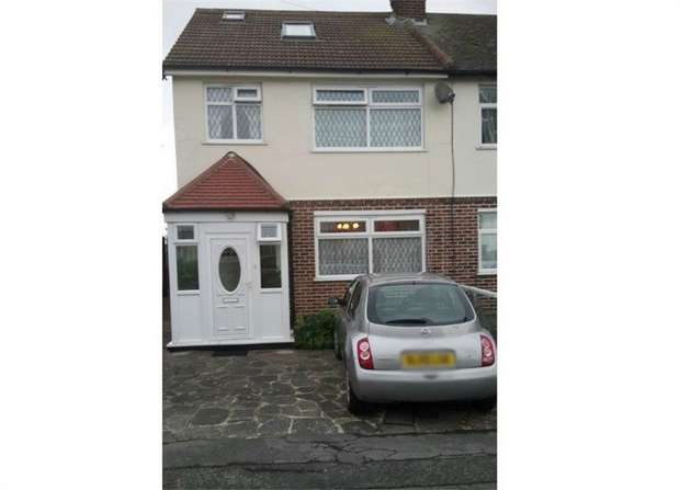 4 Bedrooms Semi Detached House for sale in Sylvan Avenue, Romford, Essex