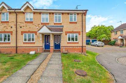 2 Bedrooms End Of Terrace House for sale in Redwing Close, Stanground, Peterborough, Cambridgeshire