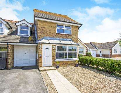 3 Bedrooms Link Detached House for sale in Christchurch, Dorset