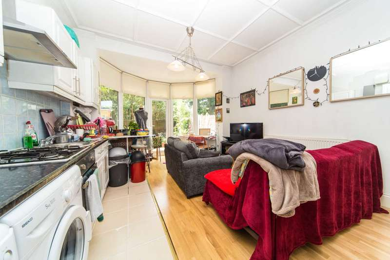 1 Bedroom Flat for sale in Drewstead Road, Streatham Hill, SW16