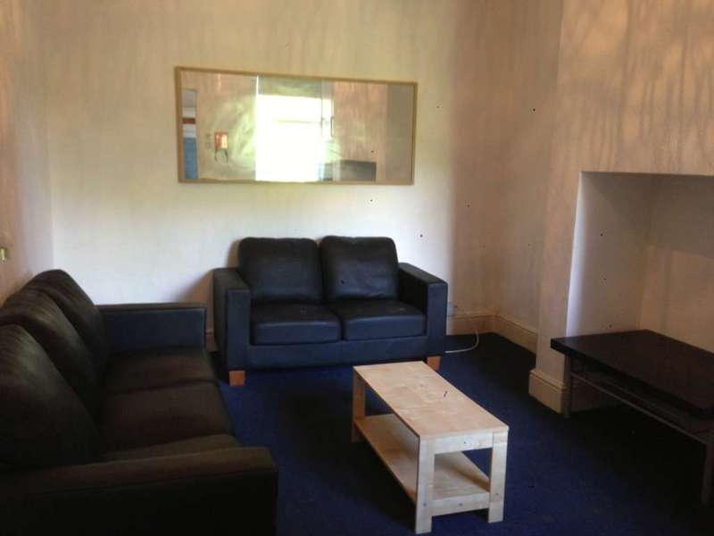 5 Bedrooms House for rent in Derby Road, Manchester