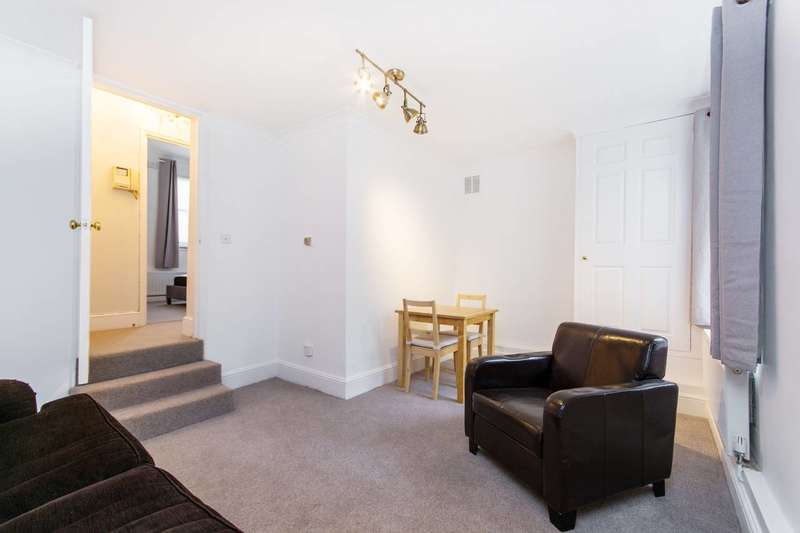 1 Bedroom Flat for sale in East Hill, St John's Hill, SW18