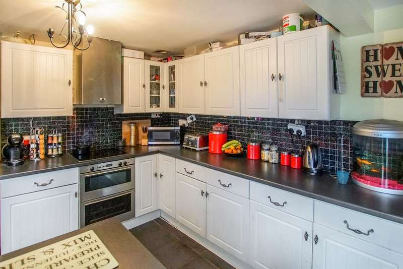 3 Bedrooms Terraced House for sale in Rosser Terrace, Cilfrew, Neath