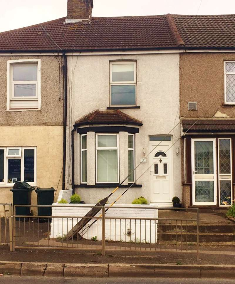 2 Bedrooms Terraced House for sale in Lincolnshire Terrace, Green Street Green Road, Lane End, Dartford, Kent, DA2 7JP